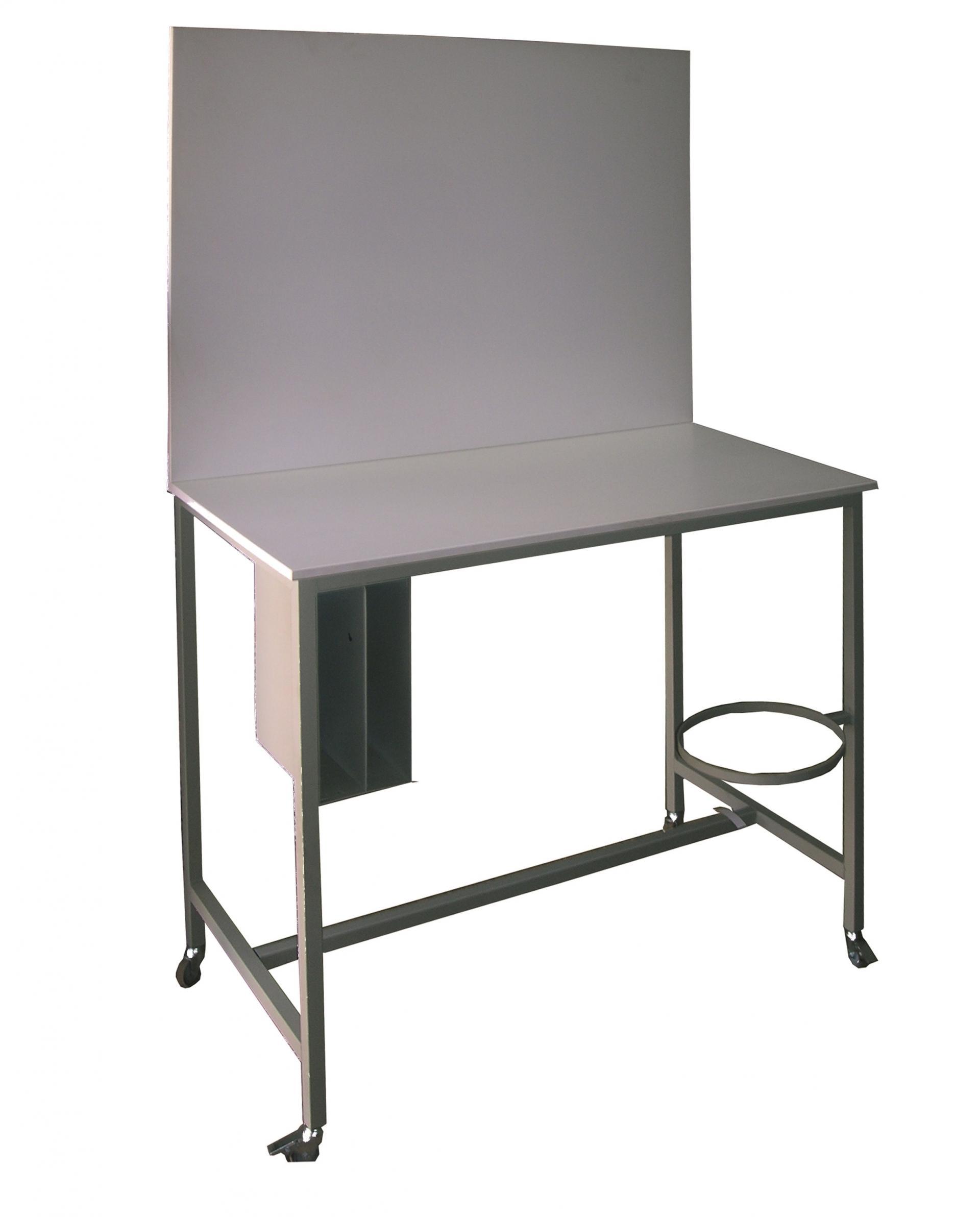 table de travail atelier affordable table de travail. Black Bedroom Furniture Sets. Home Design Ideas